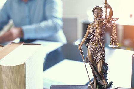 [CAMPUS.ONLINE] Corona-Gespräche: Ein juristischer Blick auf die Maßnahmen (19.5.2020)